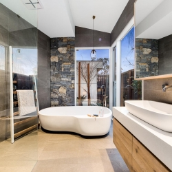 Int Master Ensuite Albany Cres